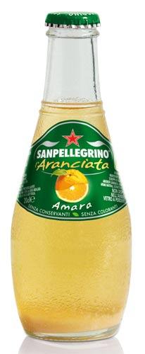 Nuovo Design Packaging Veste Grafica 2009 Aranciata Amara Etichetta Verde Sanpellegrino Bottiglia Clavetta 20 cl